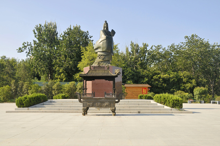 View of WuHou statue and shrine Редакционное