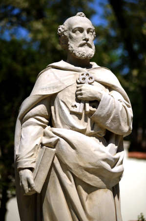 Monument-The apostle