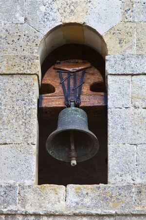 deafening: bell