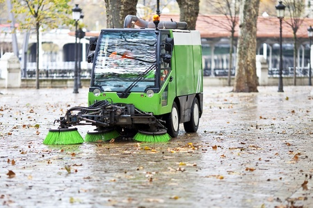 clean street: sweeping machine