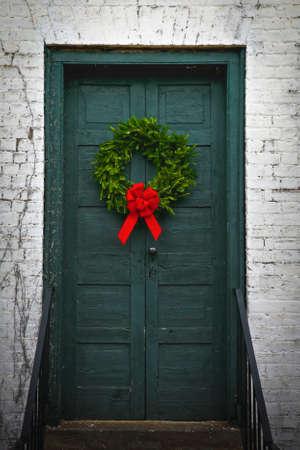 Rustique Wreath Front Door Banque d'images - 47660434