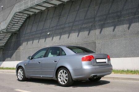 parked: achterste schot van Europese uitvoerende auto