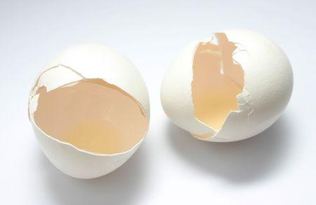 łamane ze skorupkami jaj
