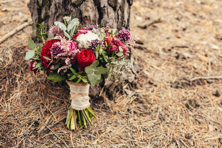 cope: Rustic wedding bouquet with red rose with cope space Stock Photo