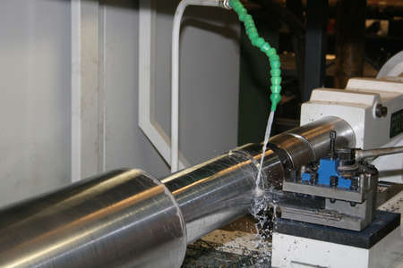 industrie: Lathe Turning Stainless Steel - High speed machine