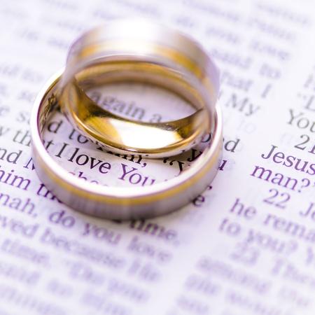 anillos de boda: Anillos de bodas-Amor del mensaje de Dios