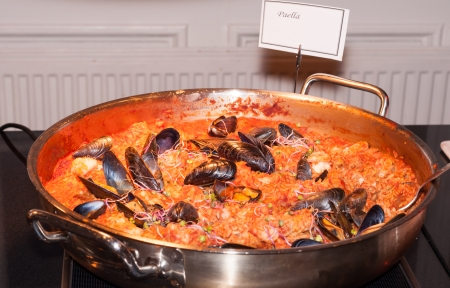 marisco: Seafood paella in fry pan