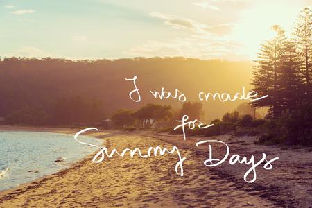 私が作ったの晴れの日ビンテージ フィルターが適用された動機づけ概念イメージ夕日の穏やかな太陽が降り注ぐビーチの背景の上の手書きのテキスト