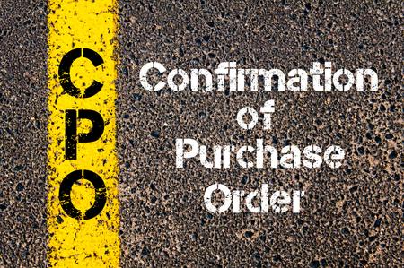confirmacion: Imagen del concepto de negocio Confirmación Acrónimo CPO de la orden de compra escrito sobre señalización vial línea de pintura de color amarillo Foto de archivo