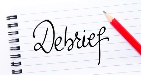 Opname geschreven op notitieblok met rode potlood aan de rechterkant