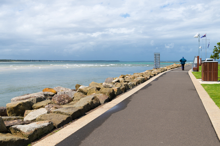 Huskisson, NSW, Australia-December 22, 2018: View over the coastal walking path in the city of Huskisson, NSW, Australia, a small coastal town well known as gateway to Jervis Bay area 報道画像
