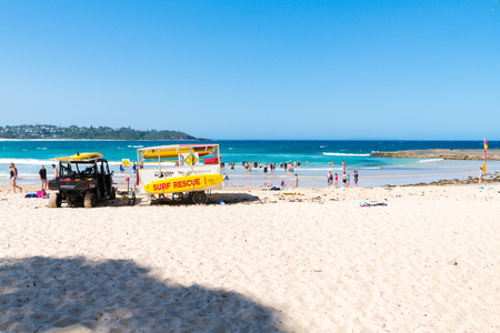 Mollymook Beach, NSW, Australia-January 4, 2019: People enjoying the sunny weather at Mollymook Beach, a wonderful seaside escape and perfect getaway on the NSW South Coast, Australia 写真素材 - 120452840