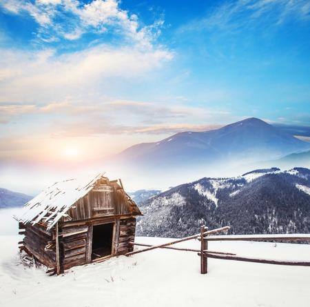 겨울의 산들 스톡 콘텐츠