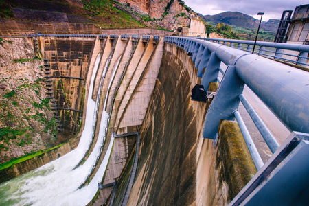 Wide view of a large dam in Italy.