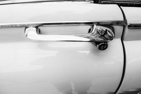 スポーツ ビンテージ自動車のサイド部分のクローズ アップ 写真素材