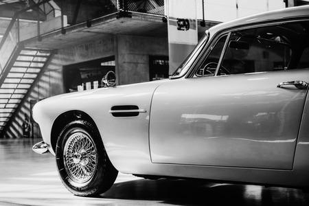 아름다운 빈티지 자동차 전시. 스톡 콘텐츠