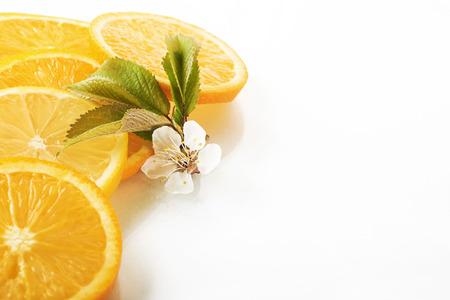slices of orange and lemon isolated on a white background Reklamní fotografie - 86264886