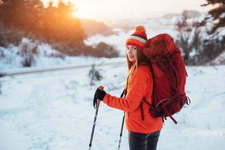 Woman Traveler with backpack hiking Travel Lifestyle adventure concept active vacations outdoor. Beautiful landscape  forest 版權商用圖片 - 87227208