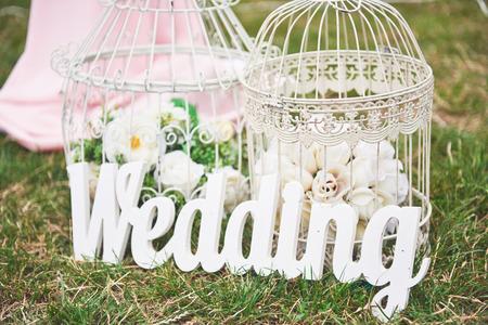 Main de bois fait la décoration de mariage de bienvenue Banque d'images - 87227486