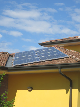 restructuring: roof with photovoltaic panels