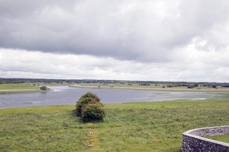 Rovine e paesaggio croci celtiche irlandesi Archivio Fotografico - 72182539