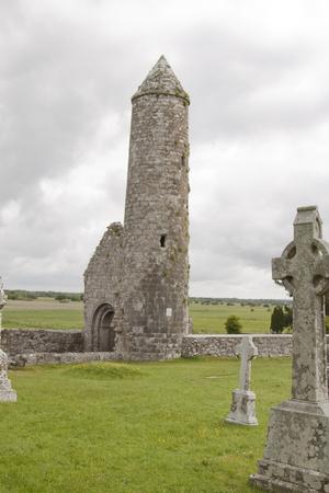 Rovine e paesaggio croci celtiche irlandesi Archivio Fotografico - 72182540