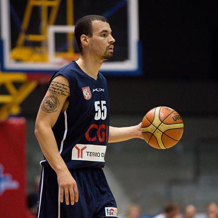 tucker: Decin winger Anthony Tucker. 2st round of Kooperativa national basketball league between BK JIP Pardubice and BK Decin ends with score 79:70