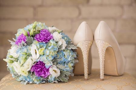 신부의 모임에 결혼식 신발