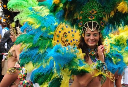 carnaval: Warsaw, Polen - 5 September, 2009 - Samba dansers in de Carnival Parade - Bom Dia Brasil.