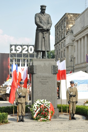 disciplined: Warsaw, Poland - August 15, 2010 - Soldiers of the Ceremonial Guard stand watch at the Pilsudski monument, during the celebrations of the Polish Armed Forces Day.