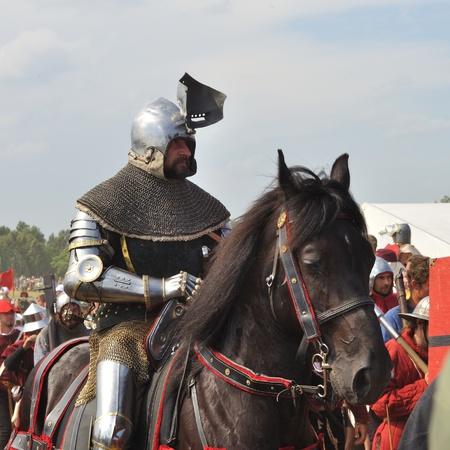 reenact: Grunwald, Polonia - 18 de julio de 2009 - participante de recreaci�n hist�rica 1410 batalla de Grunwald, Reino de Polonia y el Gran Ducado de Lituania contra la Orden Teut�nica.