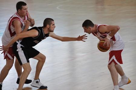 deportes olimpicos: Varsovia, Polonia - el 21 de septiembre de 2010 - baloncesto juego Bélgica vs Polonia durante la competición deportiva internacional de juegos de verano europeo de Olimpiadas especiales - CAPTADORES 2010 - para los atletas con discapacidad intelectual.