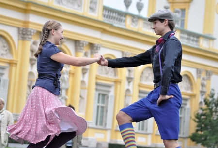 attentions: WARSAW - SEPTEMBER 11: Warsaws old-time folk dance, performed by the ensemble Kuznia Artystyczna, during of the Wilanow Days event on September 11, 2010 in Warsaw, Poland.