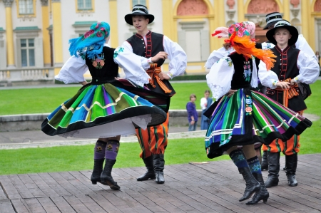 WARSAW - SEPTEMBER 11: Lowicz folk dance, performed by the ensemble Kuznia Artystyczna, during of the Wilanow Days event on September 11, 2010 in Warsaw, Poland. Stock Photo - 20963950