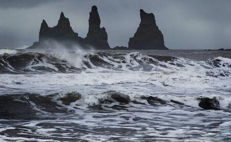 ロック トロールつま先。Reynisdrangar 崖。アイスランド。 写真素材