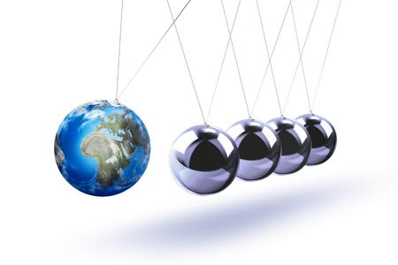 リスク、ダイナミクス、脆弱性などを象徴する地球としてニュートンの振り子。白い背景に