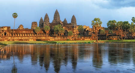 Golden sunset at the Angkor Wat Stockfoto