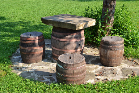 tun: Chairs and table from barrel