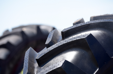 Tire with a large grapple