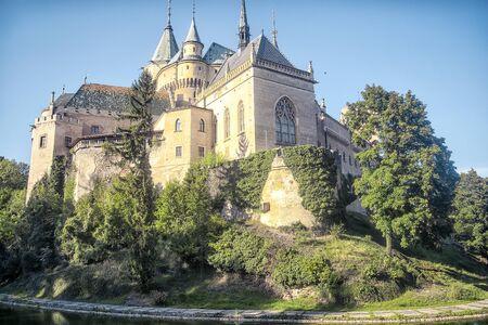 Bojnice castle landmark on a sunny day in Slovakia. Standard-Bild - 131623901