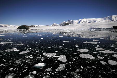scott: Antarctic coast