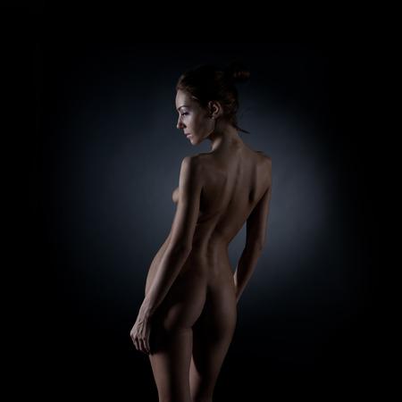 young nude girl: Junge nackte Mädchen im Studio. Lizenzfreie Bilder