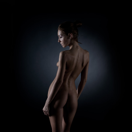 young girl nude: Young naked girl in studio.