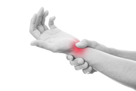 Schmerzen in den Gelenken der Hände. Pflege der männlichen Händen. Isoliert auf weiß