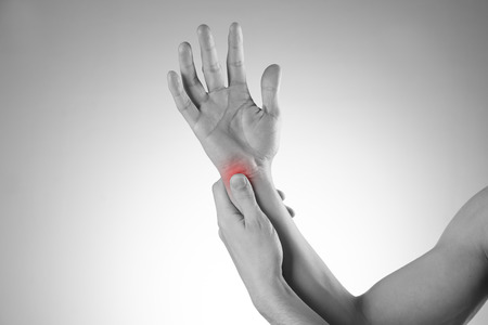 enhanced healthy: Pain in the joints of the hands. Carpal tunnel syndrome. Care of male hands.