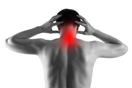 Nackenschmerzen, Mann mit Rückenschmerzen isoliert auf weißem Hintergrund, schmerzender Bereich rot hervorgehoben Standard-Bild