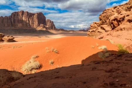 desierto: Wadi Rum paisaje del desierto, Jordania