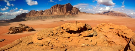 lawrence: Wadi Rum desert landscape,Jordan