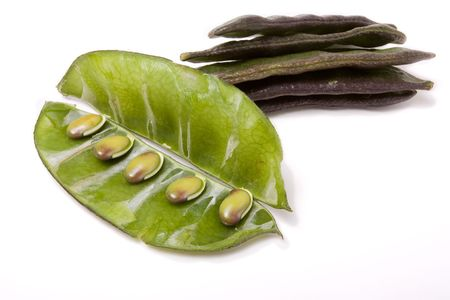 Indian bean Common name: Lablab Bean, Hyacinth bean, Bonavista bean, Egyptian bean. Synonyms: Dolichos lablab, Dolichos purpureus.