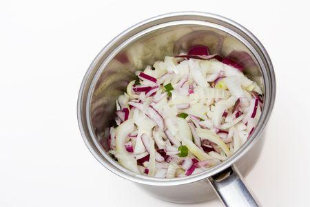 Mezcla de cebolla picada en listo para hacer sopa de pan de acero inoxidable  Foto de archivo - 6486930